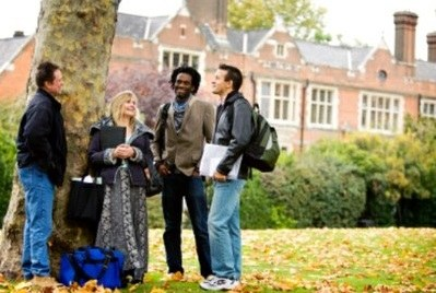 Providing careers advice to doctoral researchers