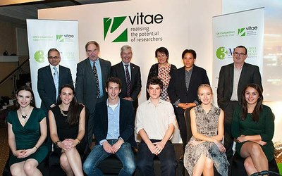 3MT judges and finalists 2014