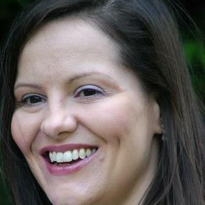 Joanne Warner