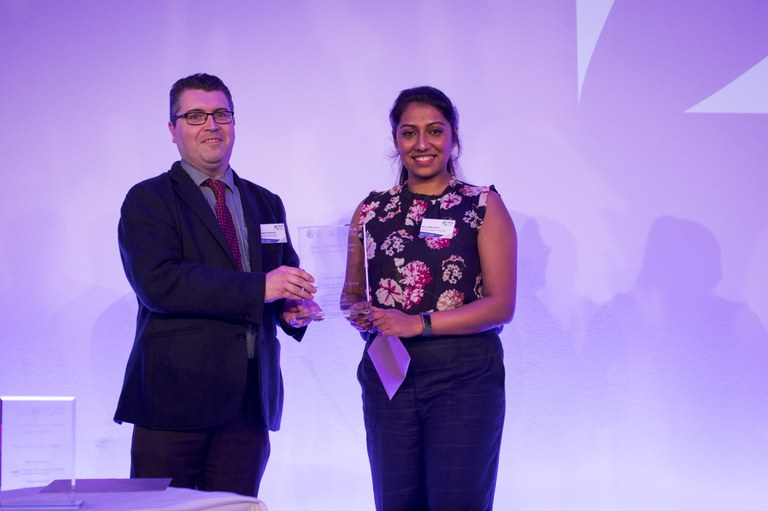 Shruti getting 3MT award in 2019